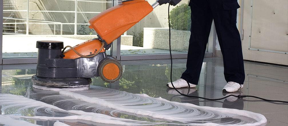 Sàn đá Granite cần được đánh bóng và vệ sinh thường xuyên để duy trì được vẻ đẹp sang trọng