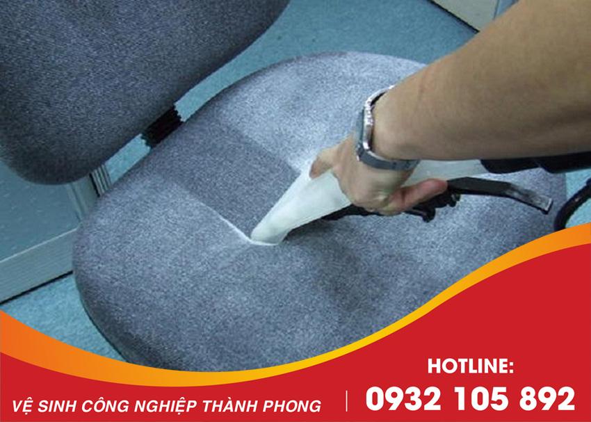 Thành Phong cung cấp dịch vụ giặt ghế văn phòng Đà Nẵng uy tín, giá rẻ