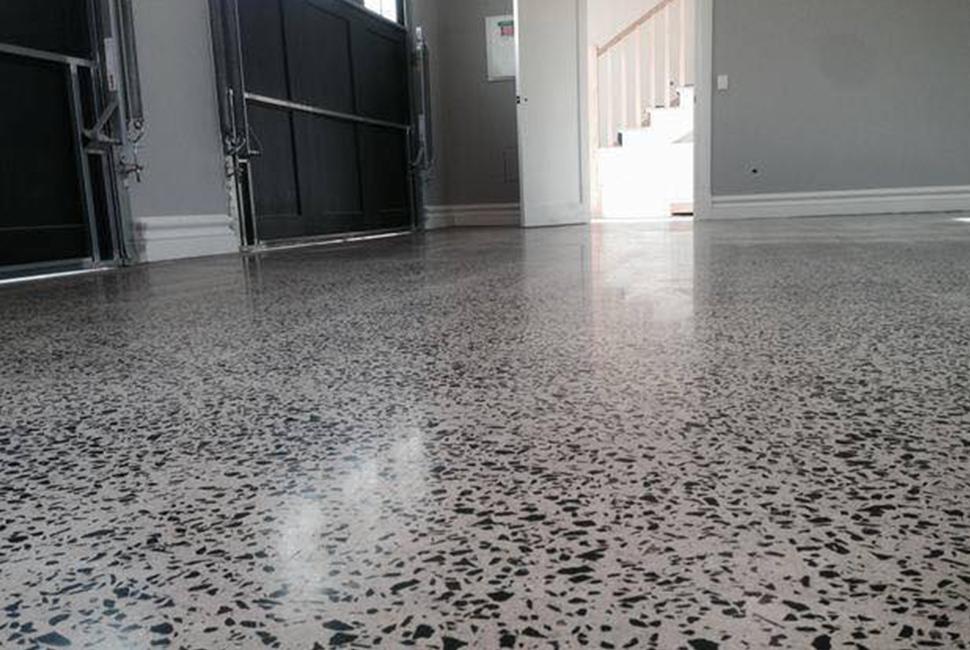 Mài sản phủ bóng bê tông tạo râ vẻ sang trọng, bên hơn cho sàn bê tông của nhà xưởng, công ty