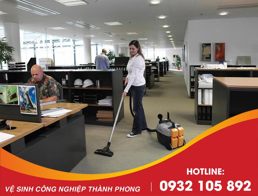 Thành Phong cung cấp dịch vụ vệ sinh văn phòng Đà Nẵng uy tín, chuyên nghiệp